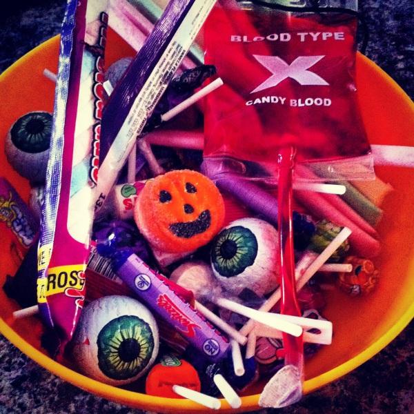 blueskygirlie halloween sweets via always a blue sky girl blog