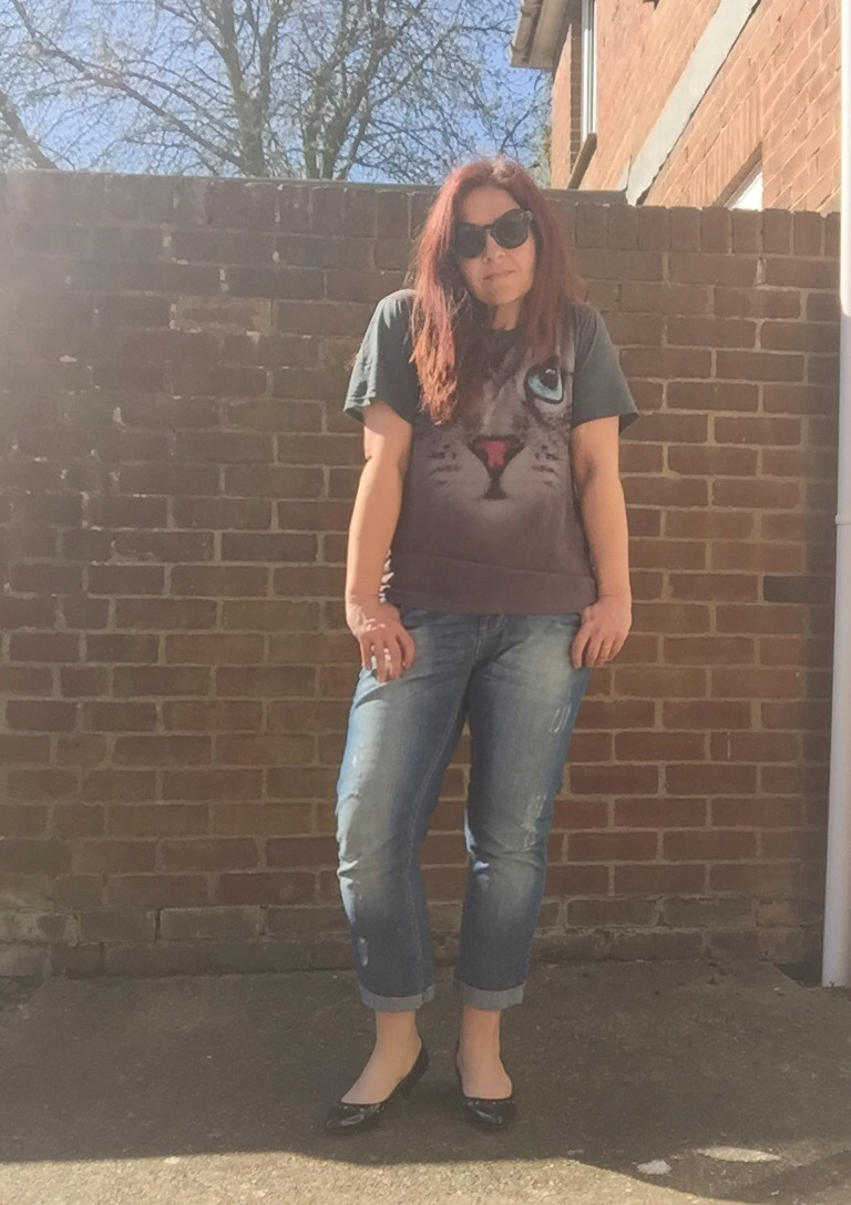 topshop tee and boyfriend jeans look via Always a Blue Sky Girl blog