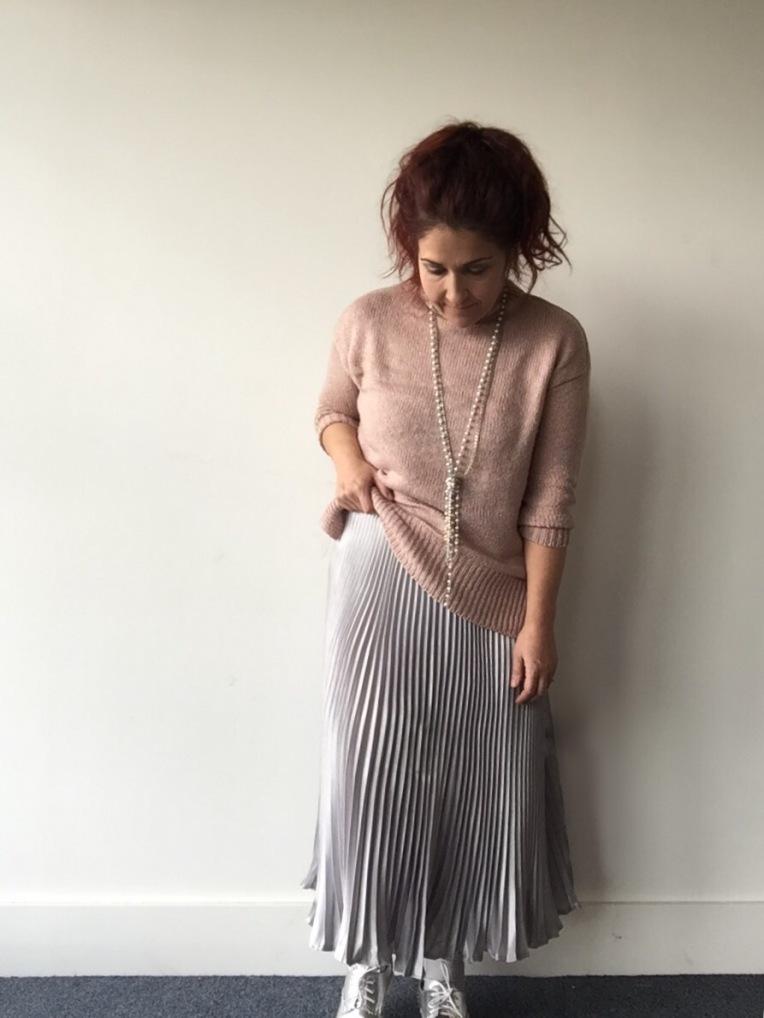 Pretty in pink New Look jumper - Blueskygirlie aka Always a Blue Sky Girl blog fashion blogger