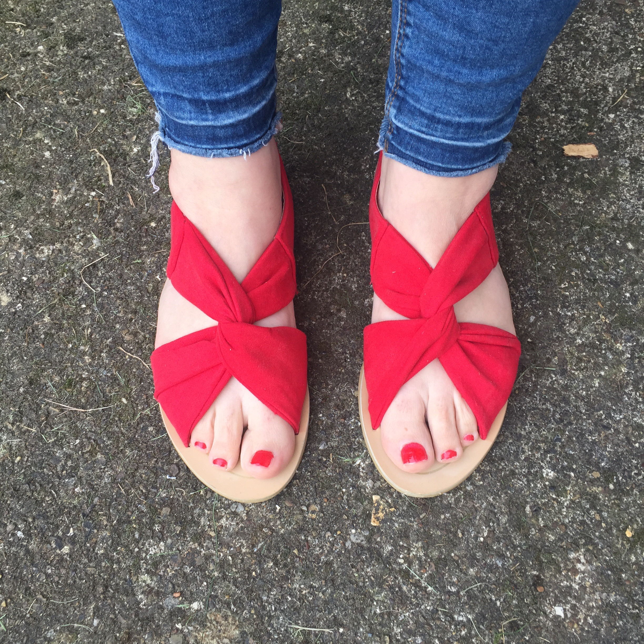Primark red £4 sandals Sarah Gorlov blueskygirlie Always a Blue Sky Girl fashion blog blogger